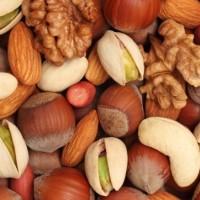 Infografica sui benefici della frutta secca